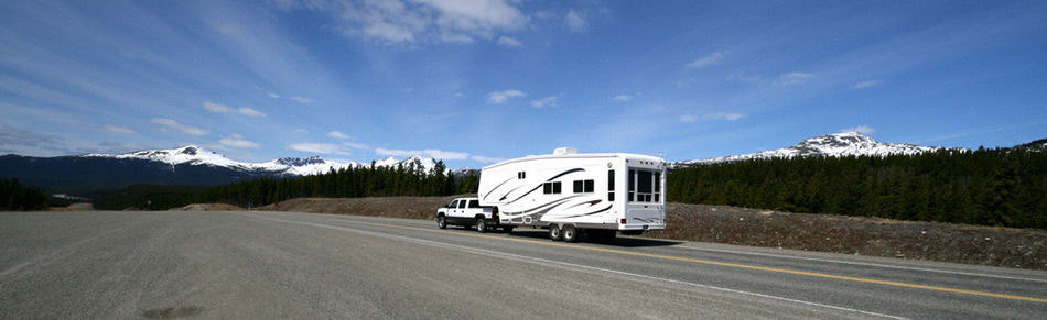 fifth wheel vs class a motorhome 31 pros and cons camper report. Black Bedroom Furniture Sets. Home Design Ideas
