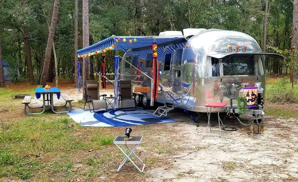 why do airstreams cost so much is it worth it camper report. Black Bedroom Furniture Sets. Home Design Ideas