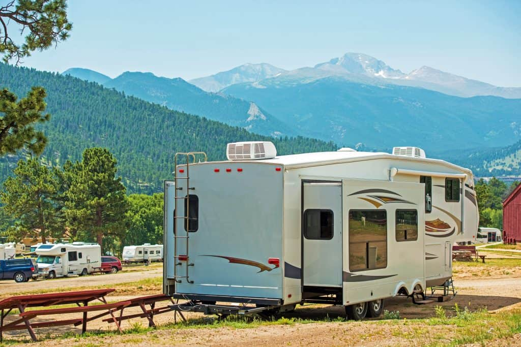 Can You Pull a Fifth Wheel with a Van or an SUV? – Camper Report